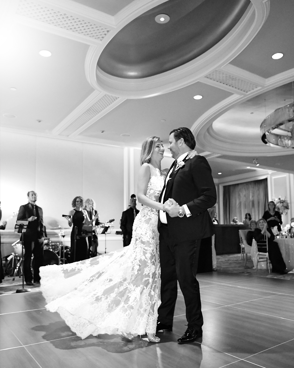 ritz-carlton-naples-first-dance-wedding-photos